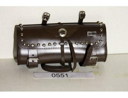 Коричневый кожаный батон на руль (toolbox) с клепками
