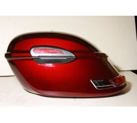 Боковые пластиковые (жесткие) кофры красного цвета для мотоцикла. С красными фонарями. Модель RS.