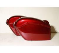 Кофры боковые жесткие (пластик) красные с красными габаритами