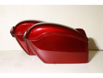 Кофры боковые жесткие (пластик) с красными габаритами