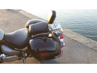Пластиковые кофры RS BLACK на мотоцикле