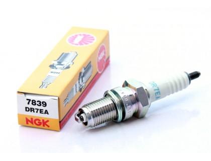 Свеча зажигания NGK 7839 (DR7EA)
