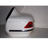 Кофр для мотоцикла задний (пластик) под авто белый с габаритами и спинкой