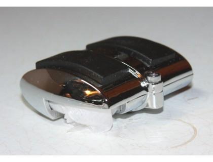 Хромированная накладка на педаль тормоза.