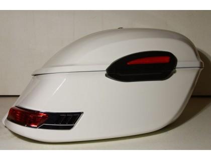 Боковые пластиковые кофры белые для мотоцикла. Модель RS