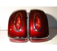 Кофры боковые жесткие (пластик) красные с красными габаритами. Дизайн MUTAZU