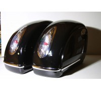 Кофры боковые жесткие (пластик) черный с белыми габаритными огнями. Дизайн MUTAZU