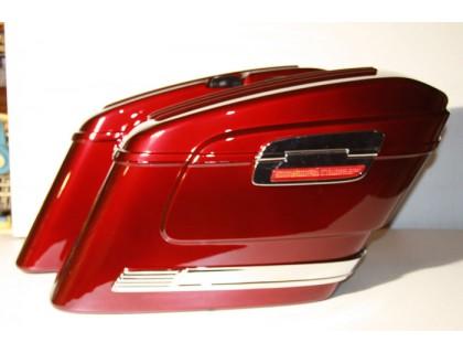 Красные пластиковые кофры модели HL для мотоцикла