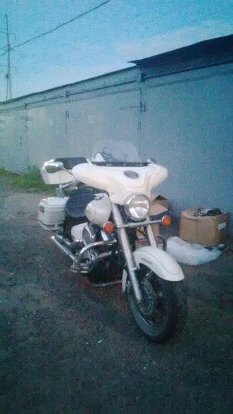 Стекло ветровое БАТВИНГ для мотоцикла универсальное с обтекателем (белое)